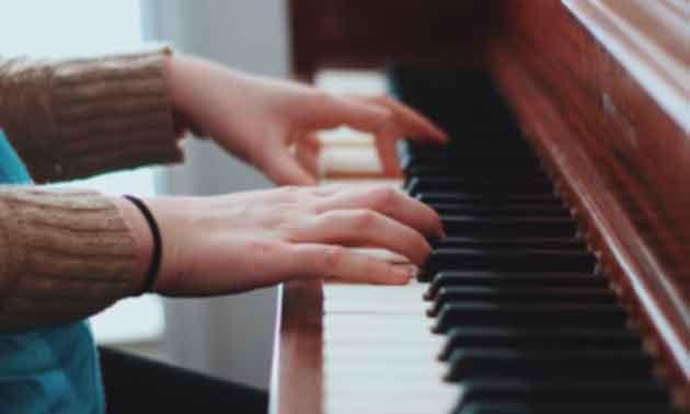 auswendig-lernen-am-klavier.jpg