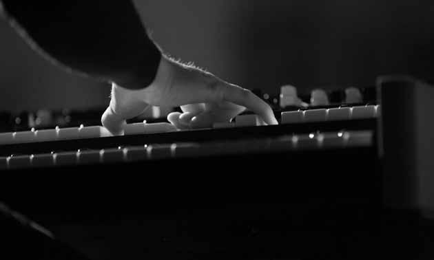 einhaendig-klavier-lernen.jpg