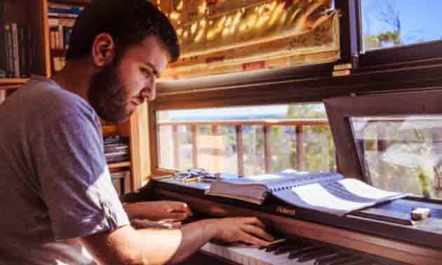 musikalische-gestaltung-und-artikulation-am-keyboard.jpg