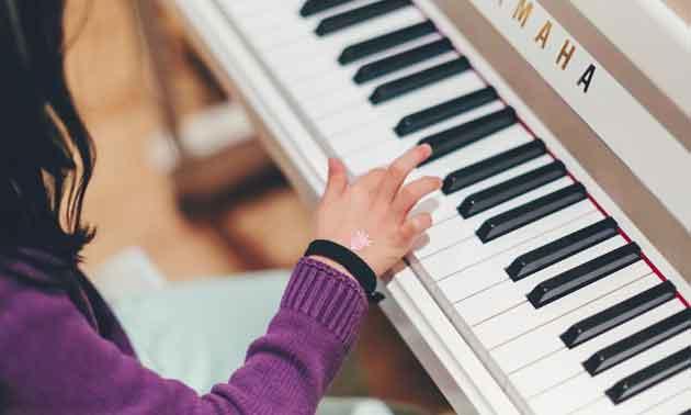 online-piano-clavio.jpg